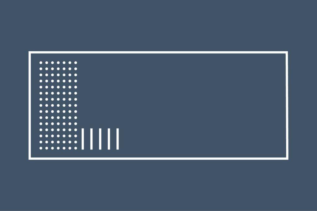Concept Pool Innsjo: Pool innsjo is een rechthoekig zwembad dat geschikt is voor sport en ontspanning. Dit uitzonderlijke zwembad is voorzien van een strand (plage) dat enkele centimeters onder water staat, waarbij de eerste trede in een onderwaterzitbank is omgevormd. Op dit strand kun je heerlijk ontspannen in ondiep water en is ideaal om de allerkleinsten aan het water te laten wennen.